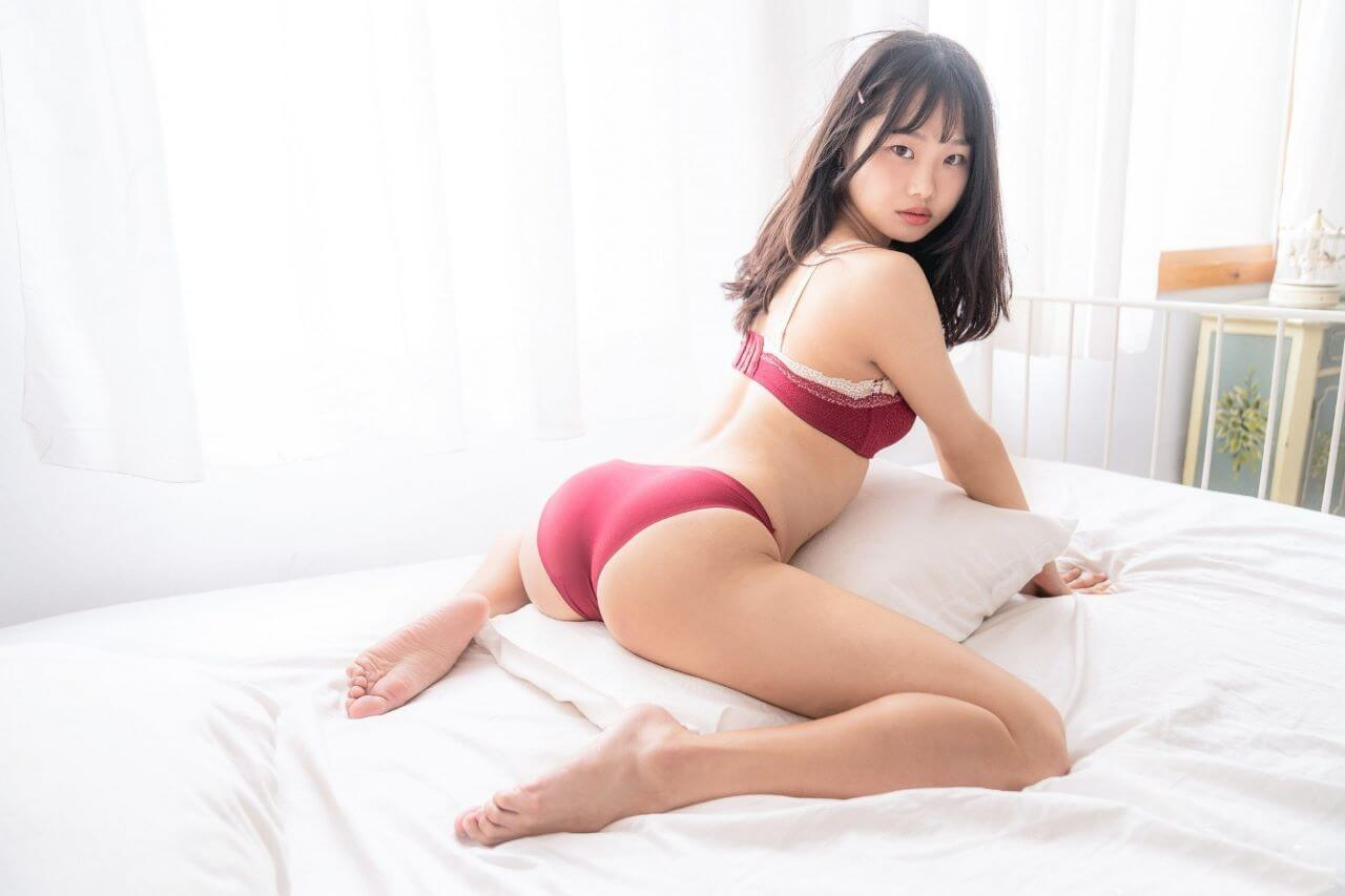 Fuck Around With Trusting Asian Girls Playing On Webcams!