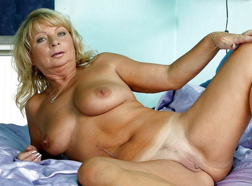 Get Mantsy Watching Sexy Granny Play With Herself On Webcam!